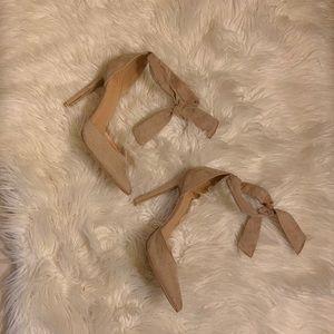 Eva Mendes stilettos, suede fabric taupe 👠 🔥🔥